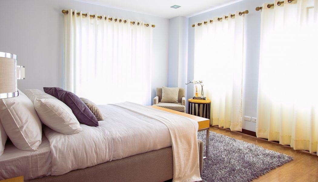 כיצד להתאים וילונות לחדרי שינה