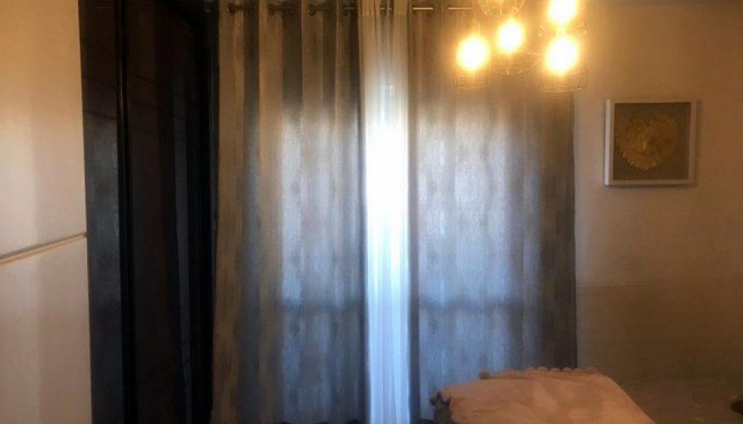 וילונות טבעות לחדר שינה